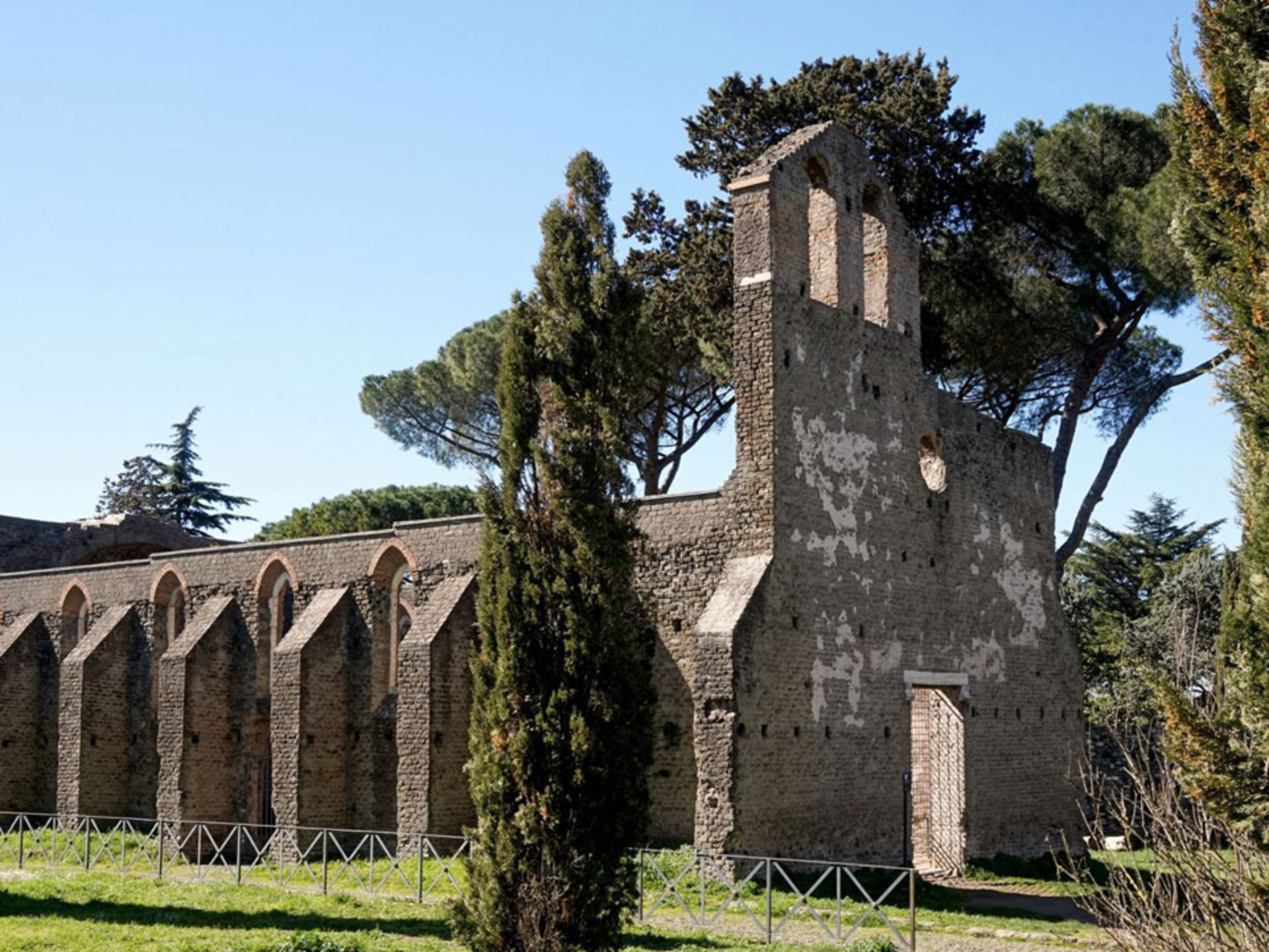 appian-way_Italy-Tour-With-Theresa_05
